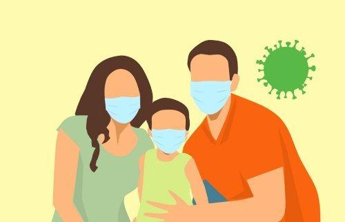 ENFANT MASQUE EN FAMILLE